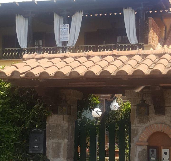 Appartamento in villa - Roccadi papa, via di frascati