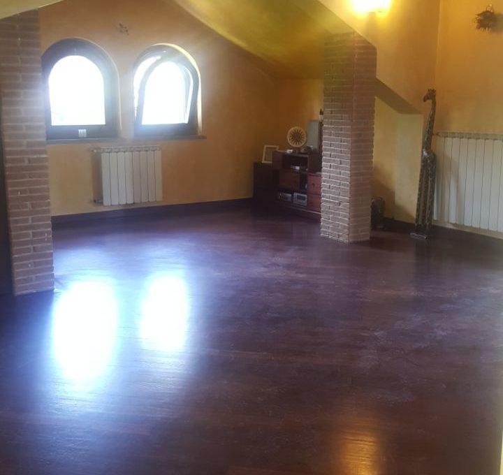 Appartamento in villa - Roccadi papa, via di frascati8
