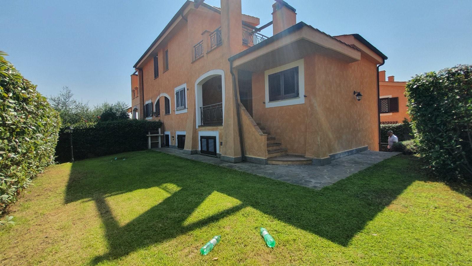 Roma Via di San Matteo, Villa Bifamiliare