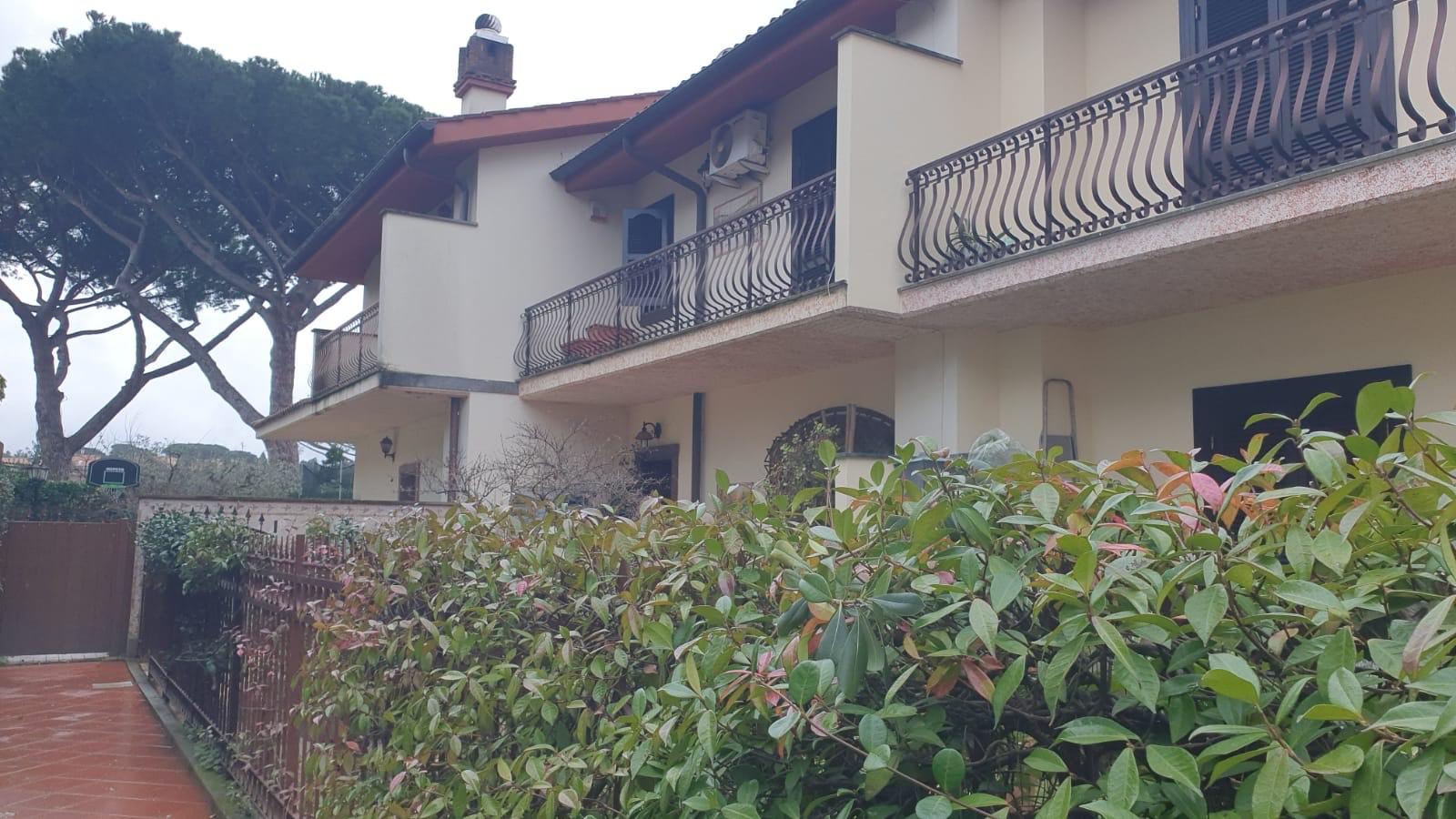 Villino trifamiliare  Via 24 Maggio Grottaferrata
